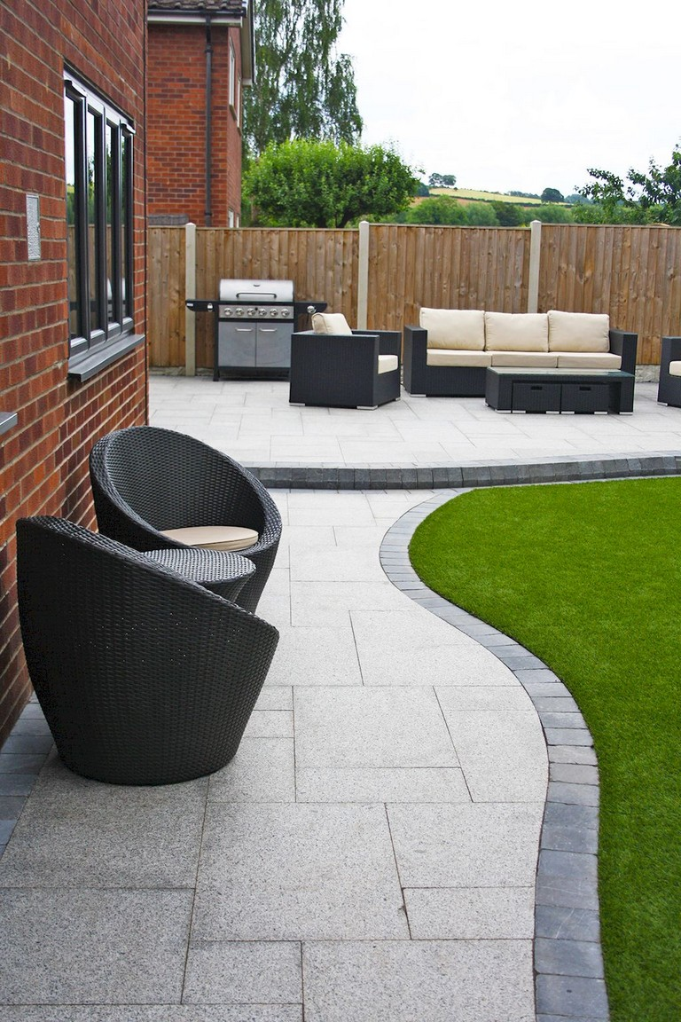 45 Cool And Cozy Small Backyard Seating Area Ideas